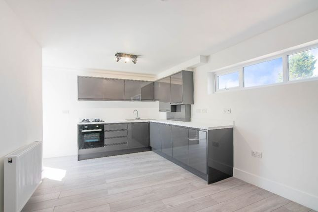 Thumbnail Flat for sale in Brockley Rise, London