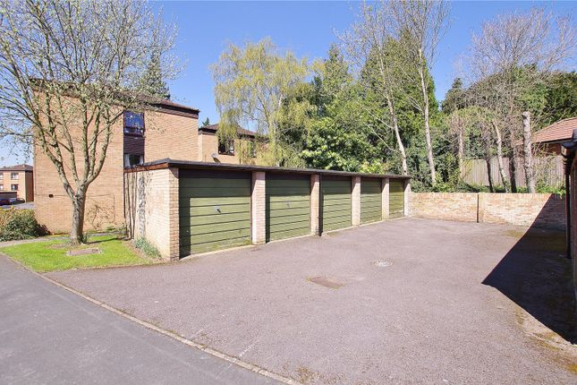 Picture No. 10 of Grandfield Avenue, Watford, Hertfordshire WD17
