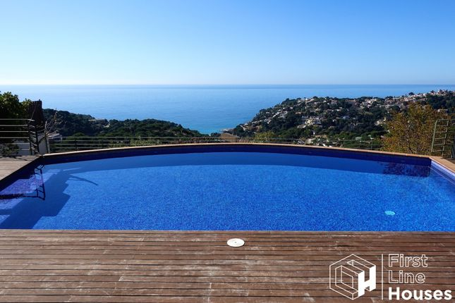 Thumbnail Villa for sale in Font De Sant Llorenç, Lloret De Mar, Costa Brava, Catalonia, Spain