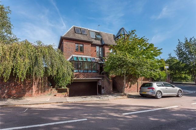 Thumbnail Detached house for sale in Cross Deep, Strawberry Hill