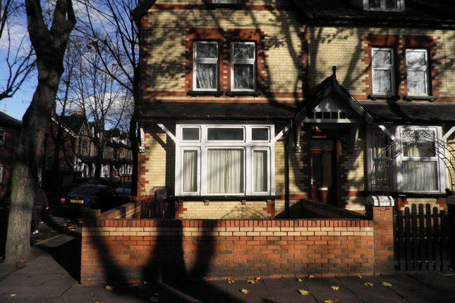 1 bedroom flat to rent in Vaughan Avenue, Doncaster
