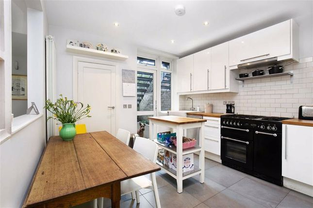 Thumbnail Terraced house to rent in Montrose Avenue, London