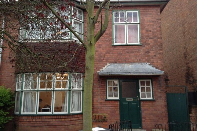 Thumbnail Terraced house to rent in Russell Terrace, Leamington Spa