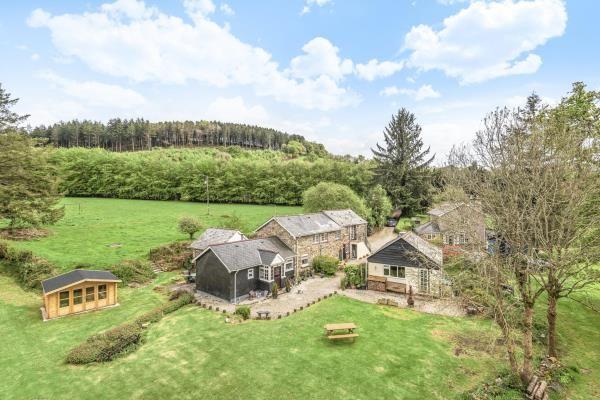 Thumbnail Property for sale in Bellasize Farm, Two Waters Foot, Liskeard, Cornwall