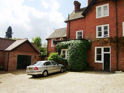 Thumbnail Flat to rent in Newtown, Berkshire