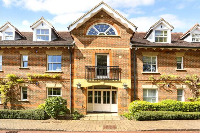 3 bed flat for sale in Wethered Park, Marlow, Buckinghamshire SL7