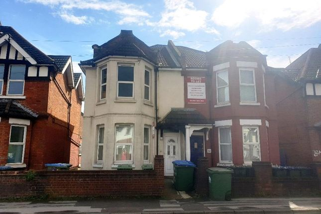 Thumbnail Flat to rent in Bitterne Road West, Southampton
