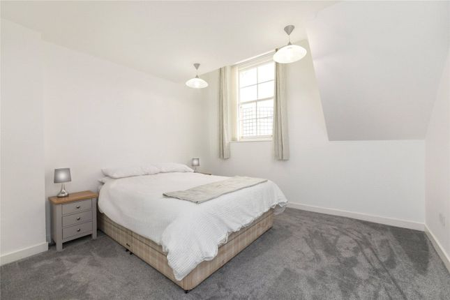 2nd Bedroom of Chenies Mews, London WC1E