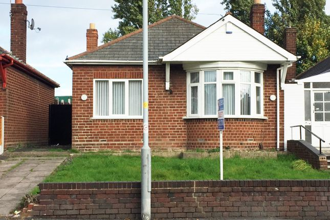 Thumbnail Bungalow to rent in St.Chads Road, Bilston