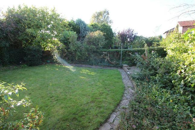 Gardens Aspect 2 of Fownhope Avenue, Sale M33