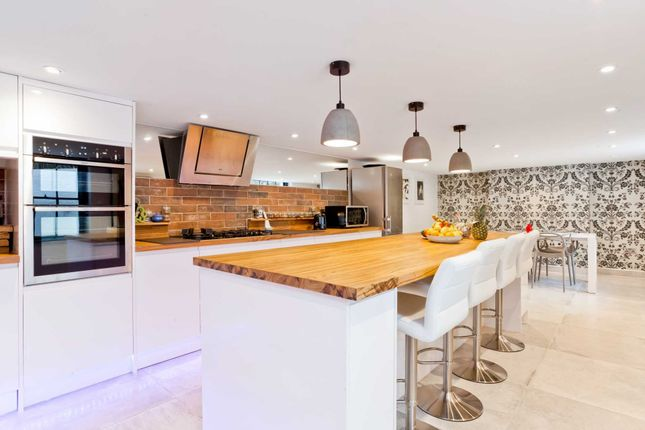 Thumbnail Town house to rent in St. James's Place, Brighton