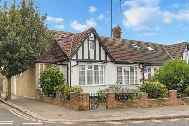 Thumbnail Bungalow for sale in Wellington Road, Enfield