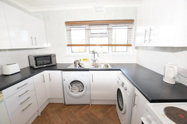 Thumbnail Flat to rent in Almond Way, Colchester