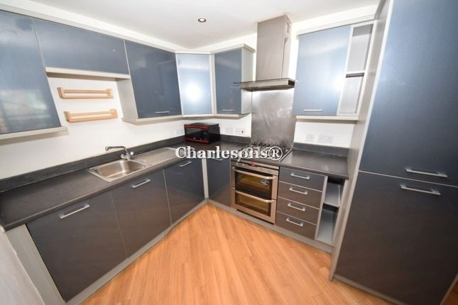 2 bed flat to rent in Gabrielle House, Gants Hill