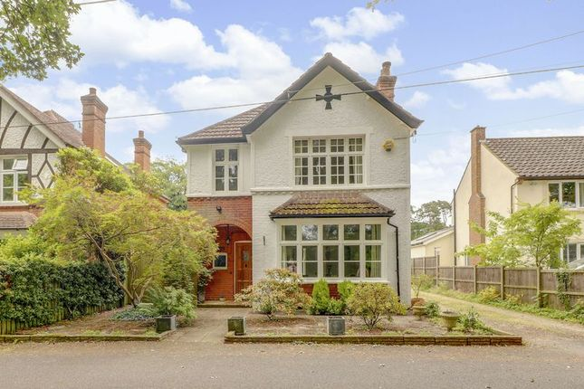 Thumbnail Detached house for sale in Pine Grove, Windlesham