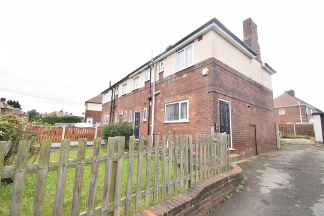 4 bed semi-detached house to rent in Willow Park, Pontefract WF8