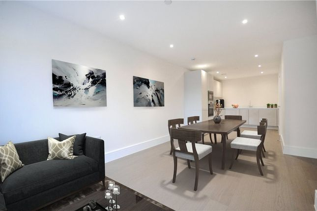 Thumbnail Terraced house for sale in Champlain Street, Reading, Berkshire