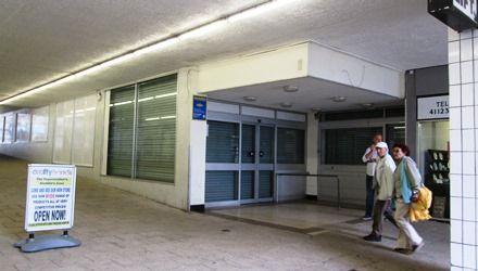 Thumbnail Retail premises to let in 5/6 Crossways Centre, Paignton, Devon