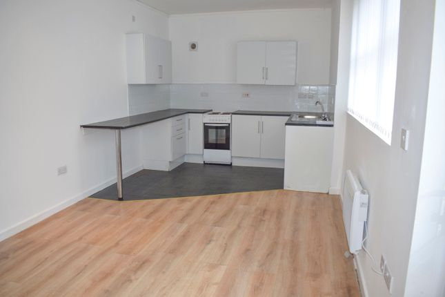 2 bed flat to rent in Duffryn Street, Mountain Ash CF45