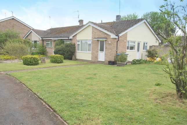 Thumbnail Bungalow to rent in Wychwood Close, Milton-Under-Wychwood, Chipping Norton