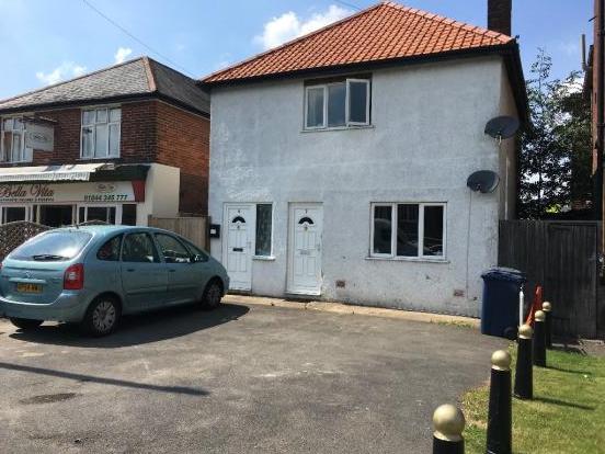 Thumbnail Flat to rent in Bell Street, Pincess Risborough