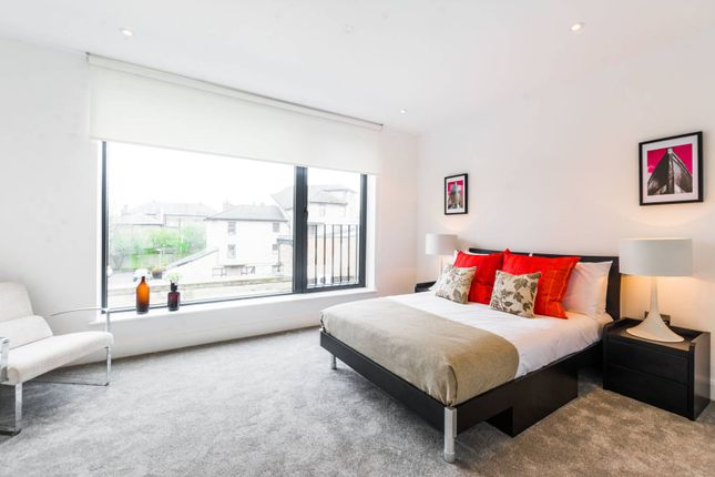 Thumbnail Property for sale in Woodside Apartments, Canning Crescent, Wood Green
