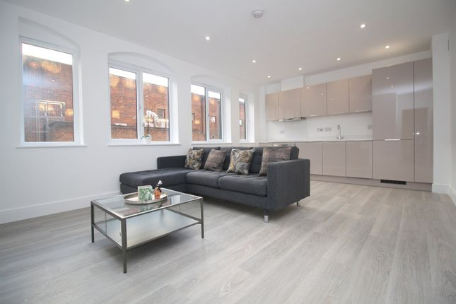 Thumbnail Flat for sale in Holmes Park, North Street, Horsham