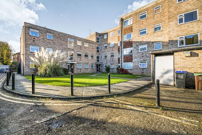 Thumbnail Flat for sale in Chestnut Manor, 359 Croydon Road, Wallington