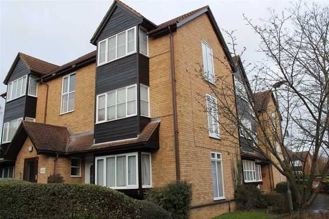 Main Picture of Corris Green, Snowdon Drive, London NW9