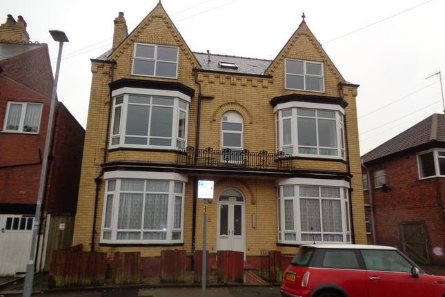 Thumbnail Flat to rent in Park Avenue, Bridlington