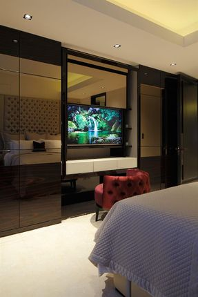 Bedroom of Thurloe Place, London SW7