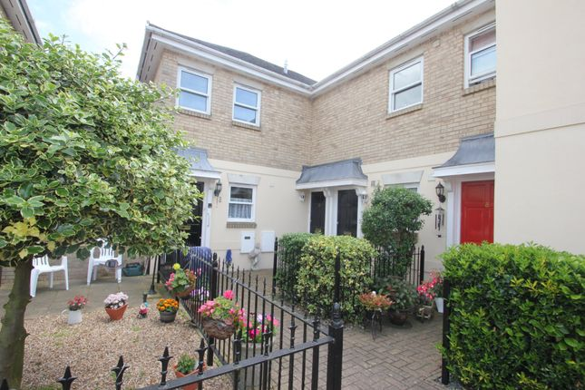 Thumbnail Flat for sale in Station Approach, Hockley