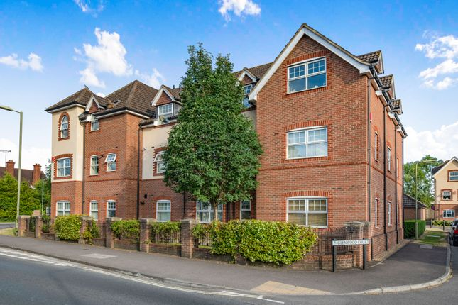 Thumbnail Flat to rent in Glenwood Court, Farnborough