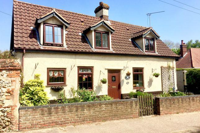 Thumbnail Cottage for sale in Bradenham Road, Shipdham, Thetford