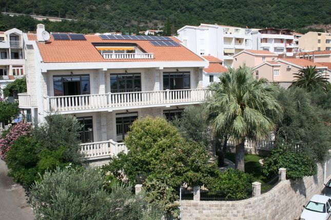 Thumbnail Villa for sale in #411 Luxurious Villa In Petrovac, Petrovac, Montenegro