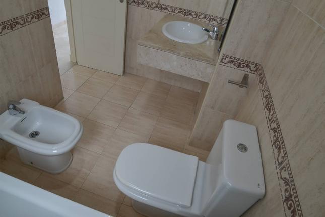 Bathroom 2 of Calahonda, Costa Del Sol, Andalusia, Spain