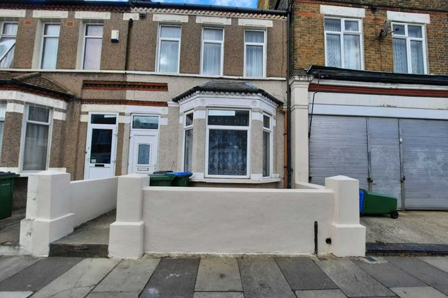 Thumbnail Property to rent in Conway Road, London