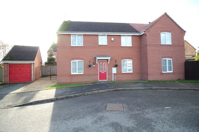 Thumbnail Detached house for sale in Celandine Way, Bedworth