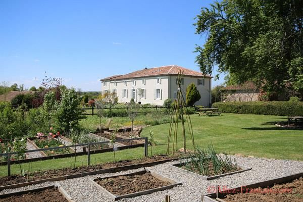 6 bed country house for sale in Confolens, Charente, 16500, France