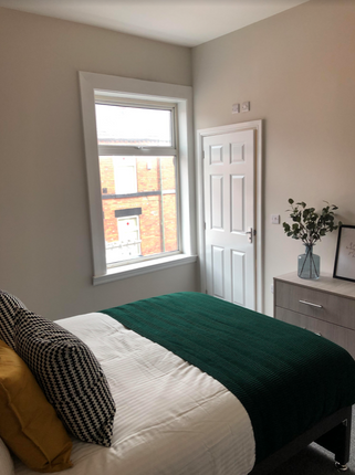 Thumbnail Shared accommodation to rent in Merseyside, St. Helens