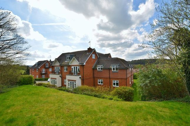 Thumbnail Flat for sale in Folleys Place, Loudwater, High Wycombe