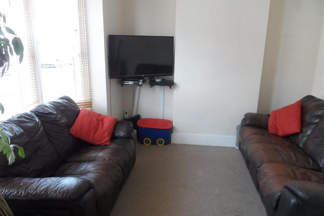 Thumbnail Property to rent in Bath Road, Southsea