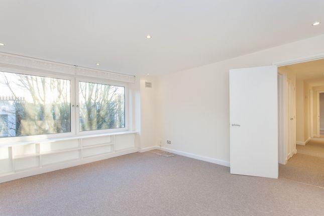 2 bed flat to rent in George House, Kensington Church Street, Kensington
