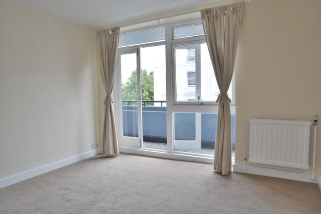 2 bed flat to rent in Arundel Gardens, London
