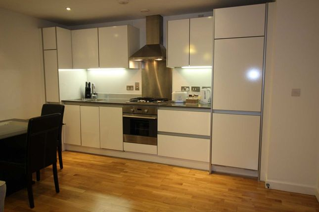 Thumbnail Flat to rent in Halcyon, Chatham Place, Reading