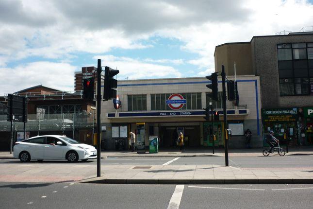Mile End Tube of Grove Road, London E3