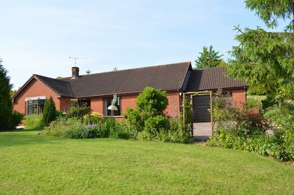 Thumbnail Detached bungalow for sale in Silverton, Exeter