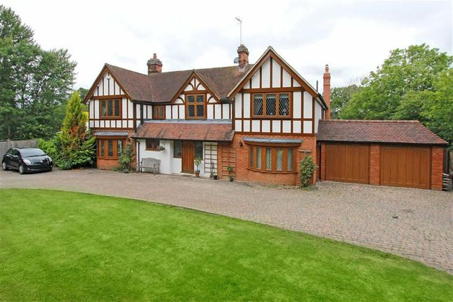 Thumbnail Detached house to rent in Butterfly Lane, Elstree, Borehamwood