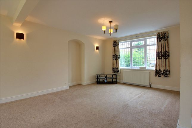 Picture No. 18 of Lupton Avenue, Styvechale, Coventry CV3