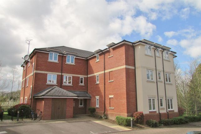 Thumbnail Flat to rent in White Horse House, Wolage Drive, Grove, Wantage